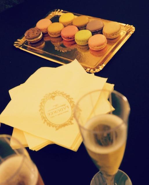 Les Petites Abeilles @ Ladurée champagne et macarons