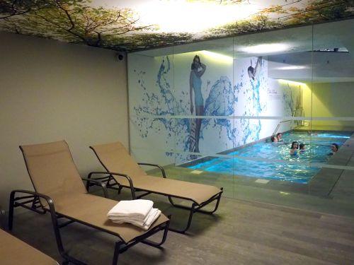 swimmingppol-novotel-brussels